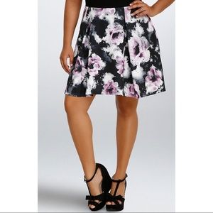 Torrid Sz 1X Floral Skater Mini Skirt Watercolor